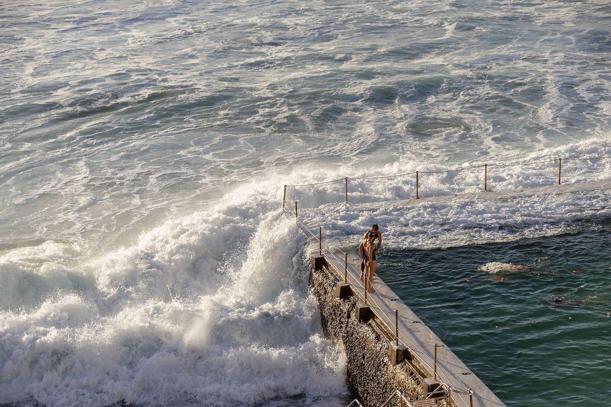 Sydneysiders Enjoy Warm Winter Weather