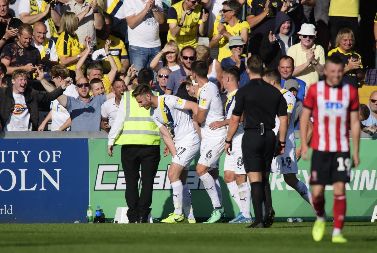 Lincoln City v Oxford United - Sky Bet League One