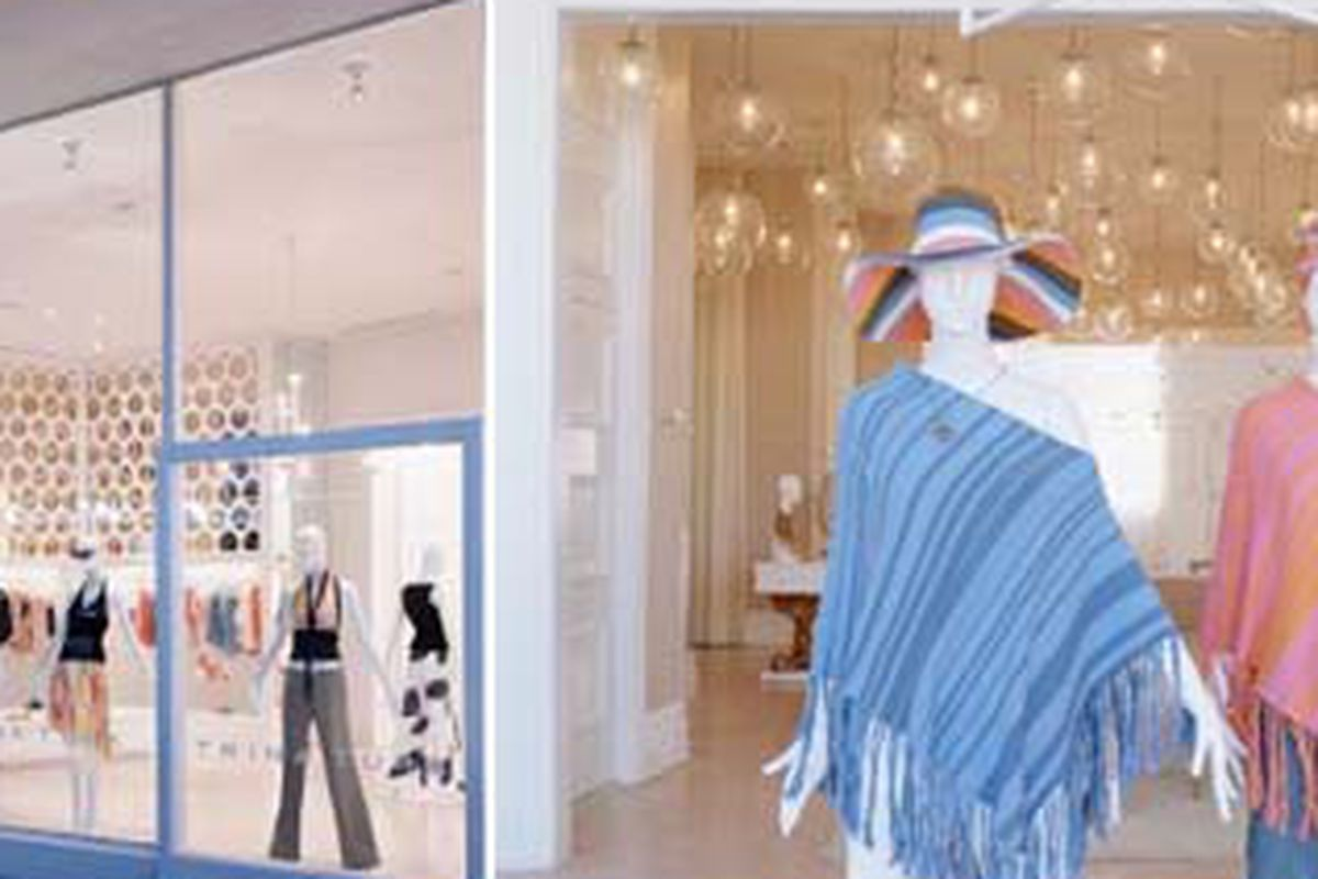 "Shots of the Trina Turk store via their <a href=""http://www.trinaturk.com/boutiques.asp?id=3&amp;ap=1&amp;pa=1"">website</a>"