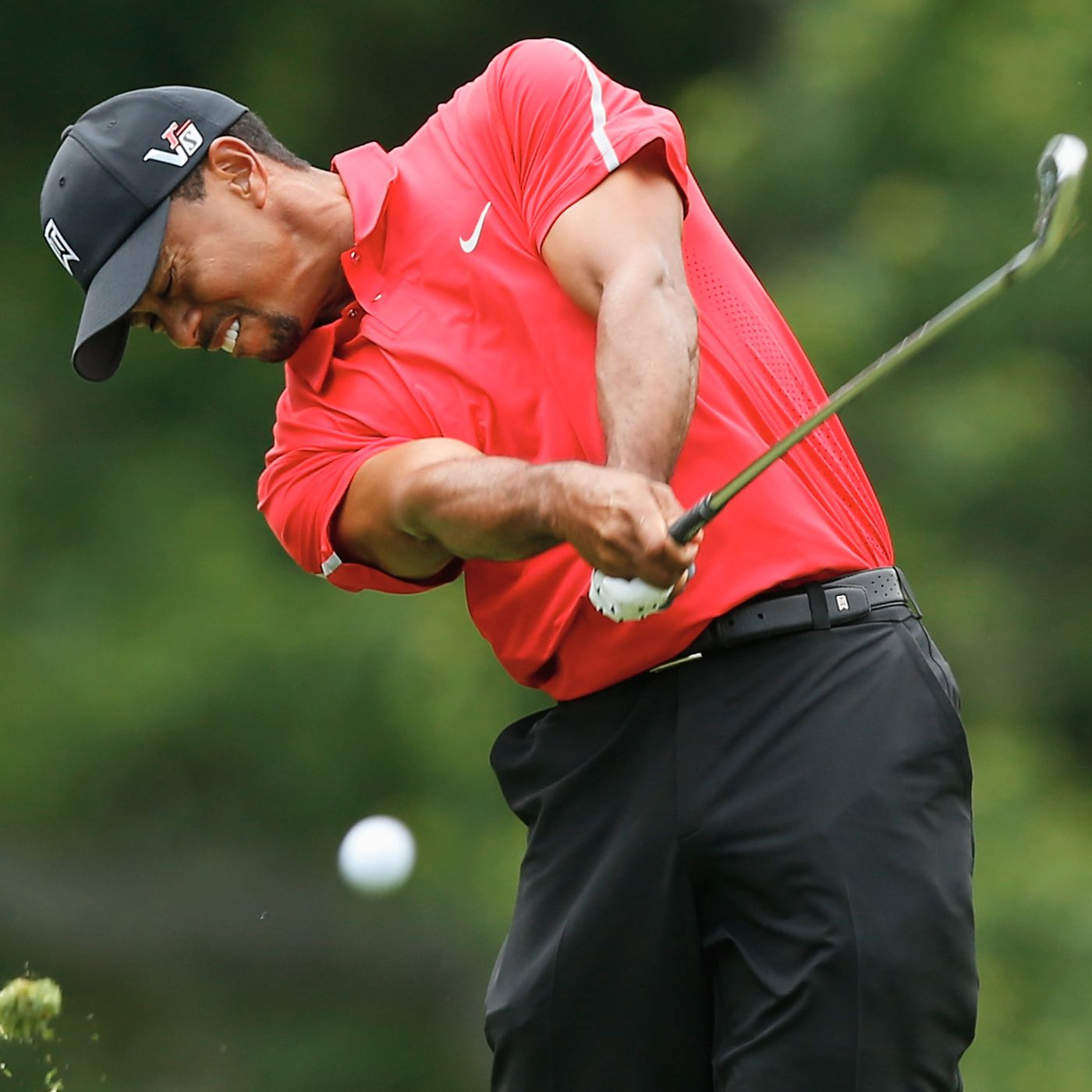 Tiger Woods To Re Up With Nike Says Espn Sbnation Com