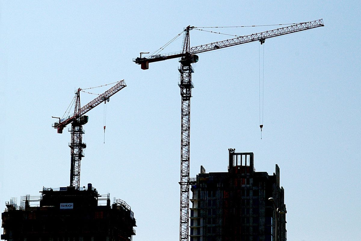 Keeping track of construction cranes in Chicago - Curbed ...