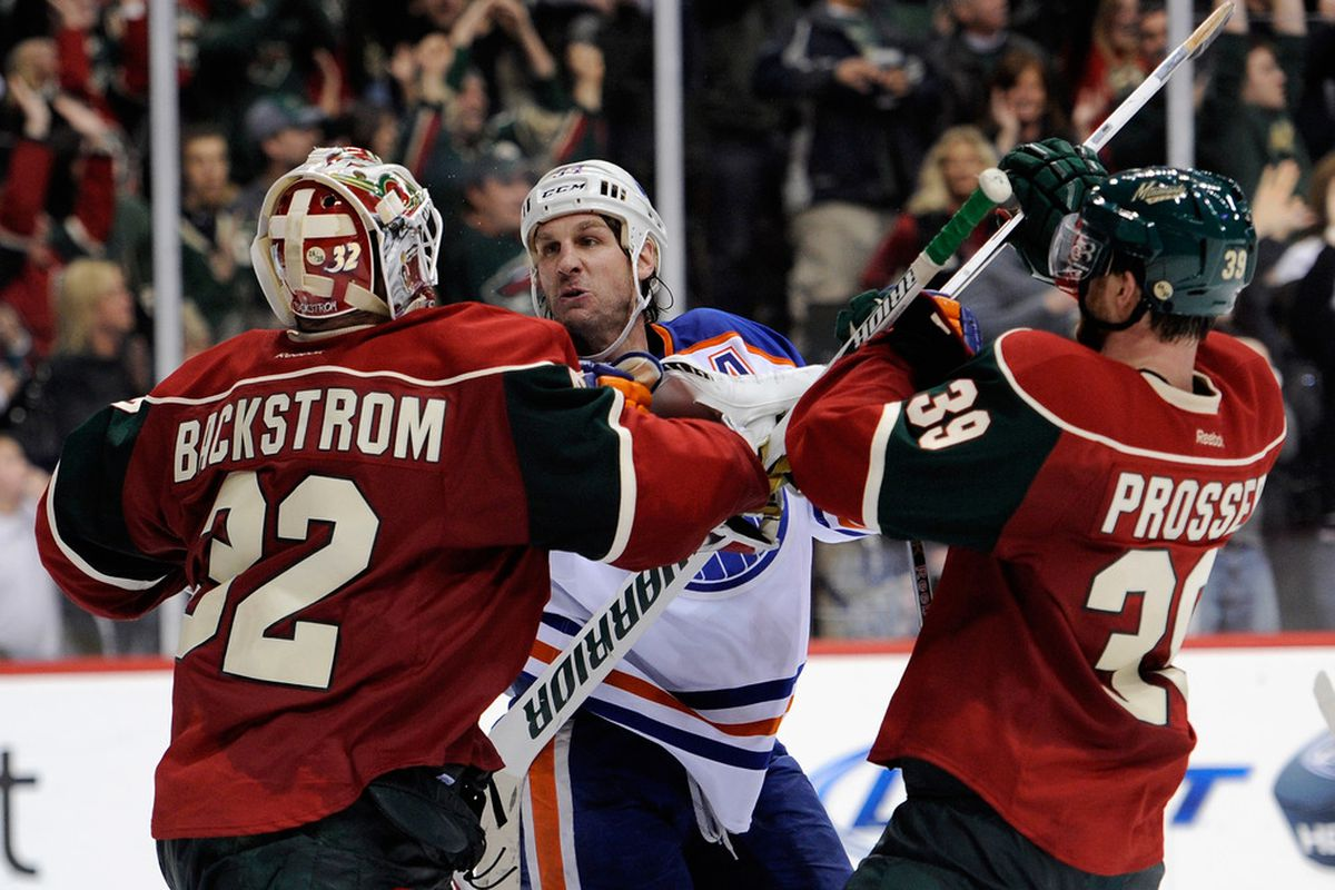 Always a good way to win over fans. Stand up for your goalie.