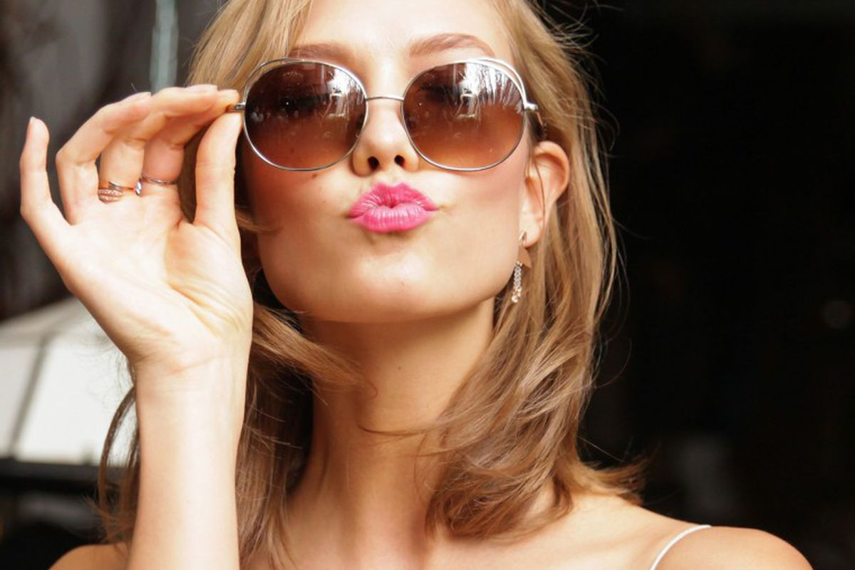 "Model Karlie Kloss. Image <a href=""http://www.wmagazine.com/parties/2014/06/karlie-kloss-warby-parker/"">via</a>."