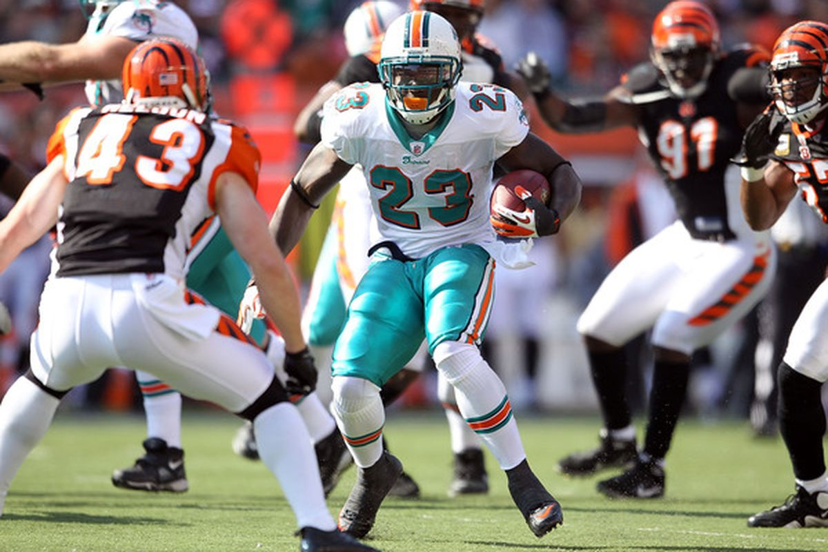 San Diego Chargers Sign Rb Ronnie Brown To One Year Deal