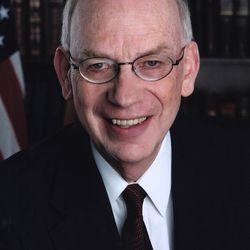 Senator Robert F. Bennett received a University of Utah honorary degree in 2005.