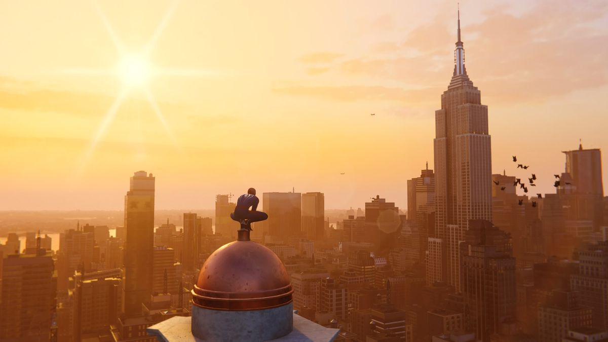 Spider-Man PS4 - Spidey looking at the Empire State Building from the southeast