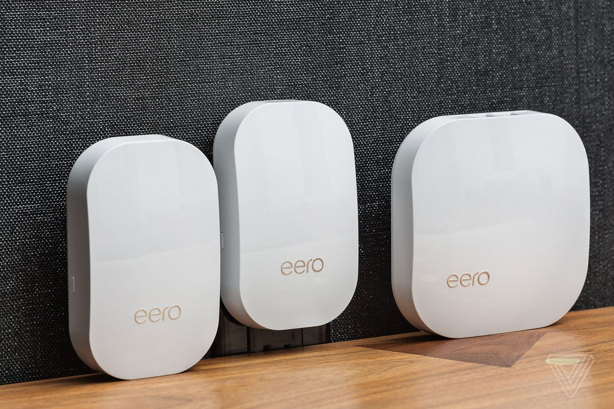 The gen 2 Eero and two Beacons