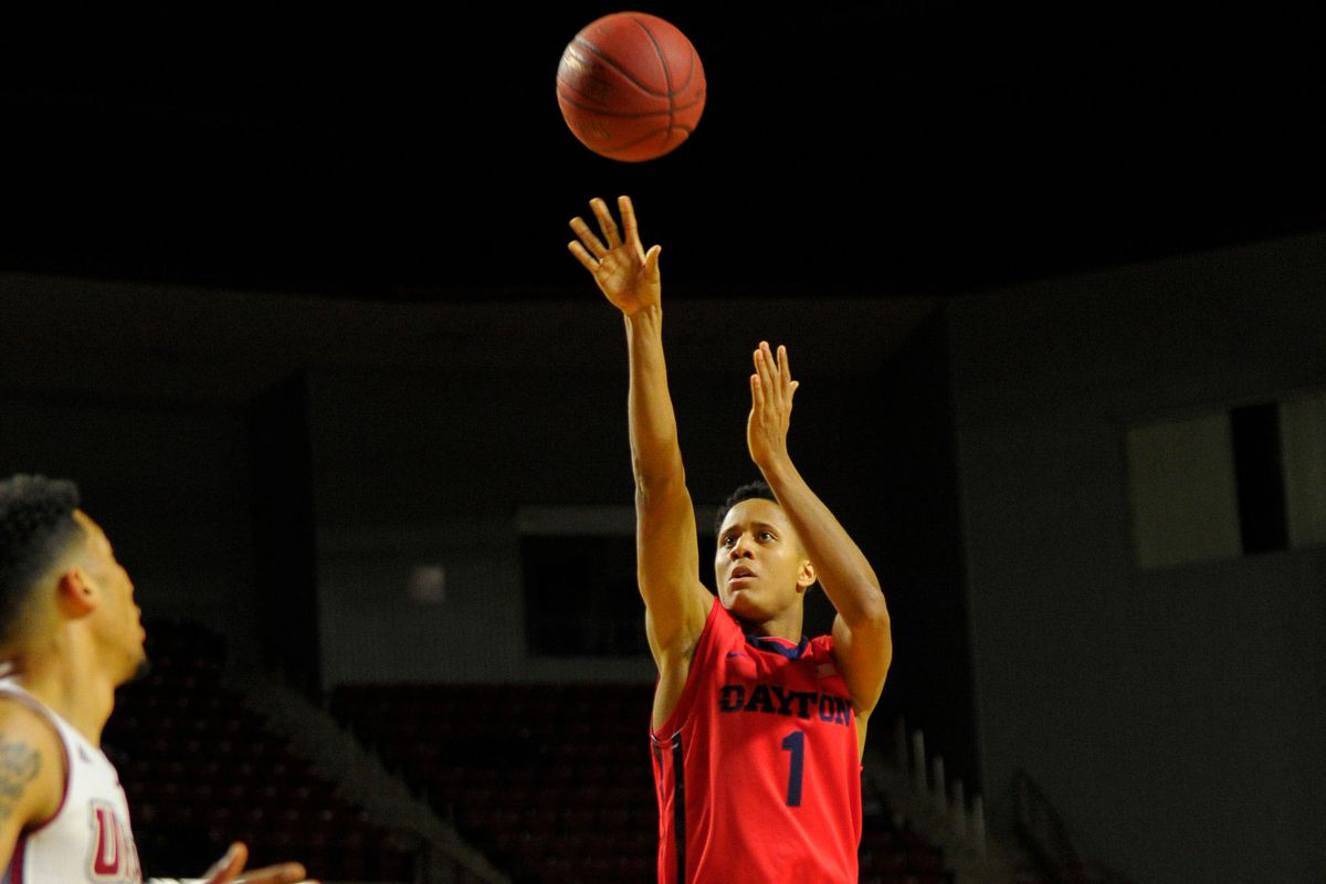 Dayton's Guard Darrell Davis scored 12 points, including the go-ahead 3-pointer, to give the Flyers the lead and eventually 51-44 victory over the Saint Louis Billikens on Tuesday, Feb. 11th, 2015