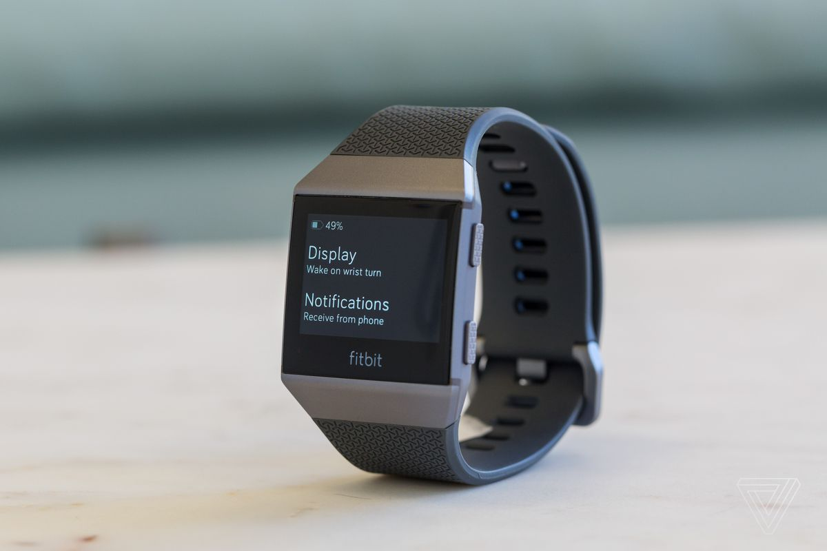 a58a99f5699 The best feature of the Fitbit Ionic smartwatch is its battery life. In my  experience, I started wearing it on a Wednesday afternoon, and by the  following ...