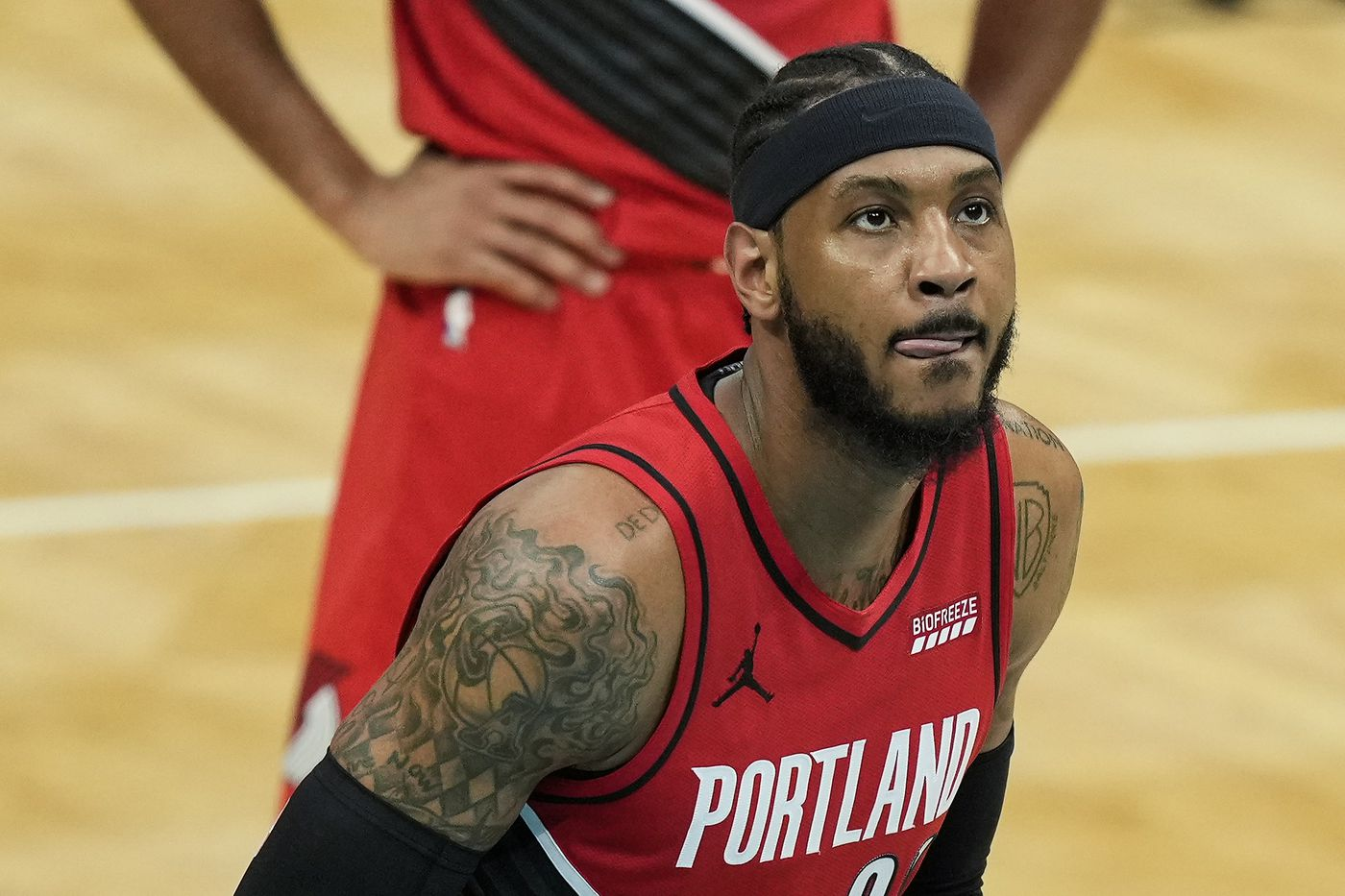 Carmelo Anthony Can T Lead Hapless Blazers Back Against Hornets Blazer S Edge