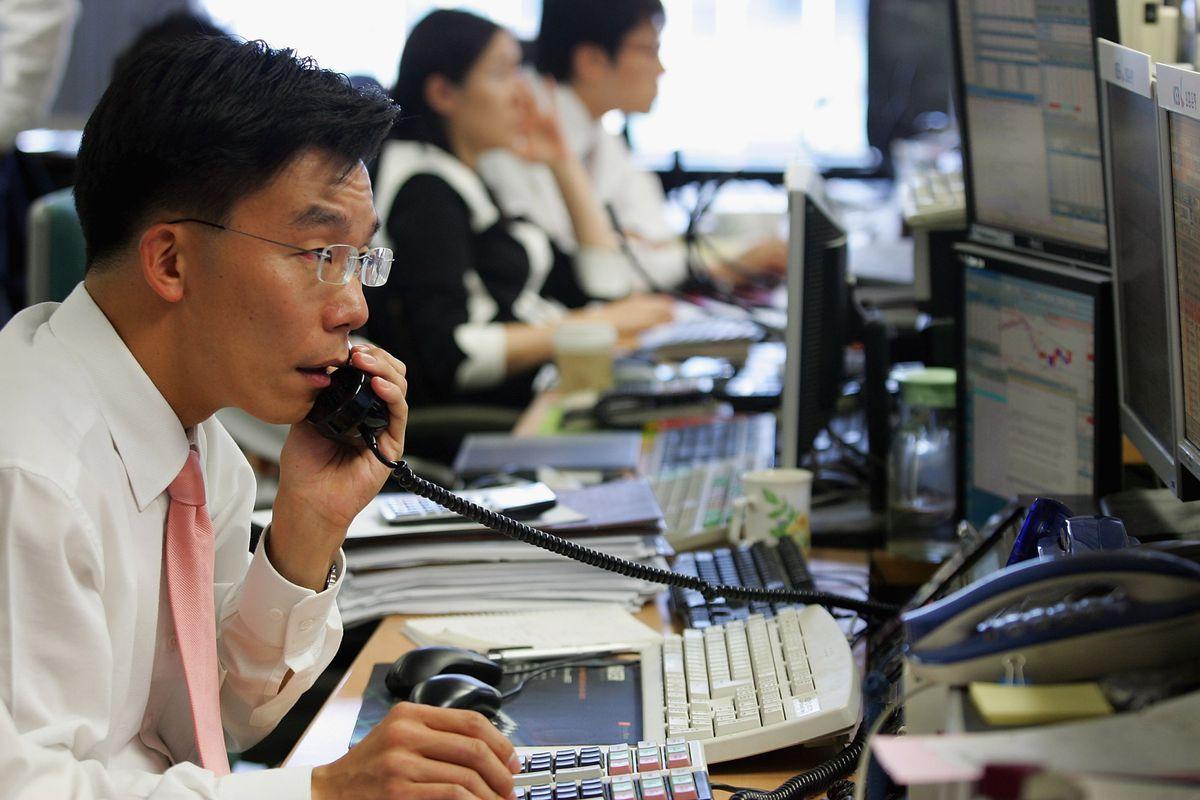 Korean Won Drop Against U.S. Dollars And Japanese Yen