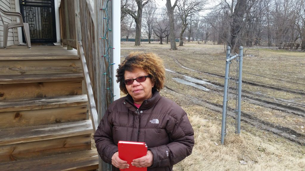 Margaret Bonnett is one of the last dozen property owners holding out against the Norfolk Southern railroad's efforts to acquire an 84-acre residential section of Englewood.   Mark Brown / Sun-Times