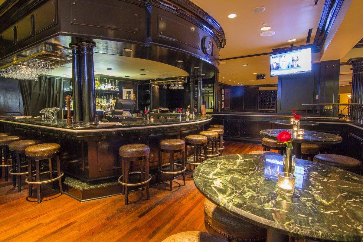 The dining room of now-shuttered Dakota's Steakhouse