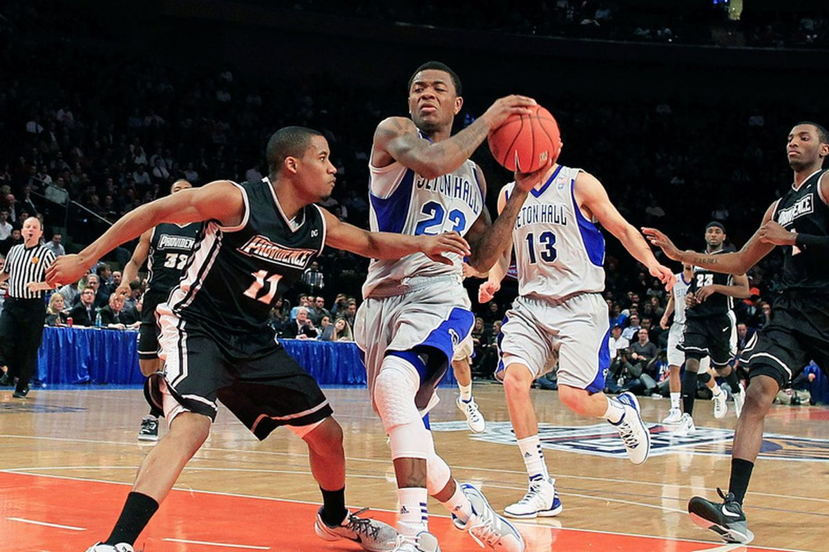 Fuquan Edwin continued to score efficiently against Saint Peter's.