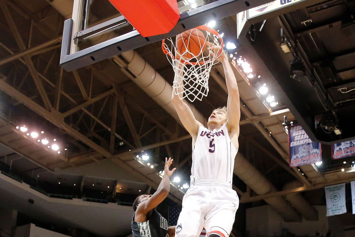 Niels with one of his career high 2 dunks last night