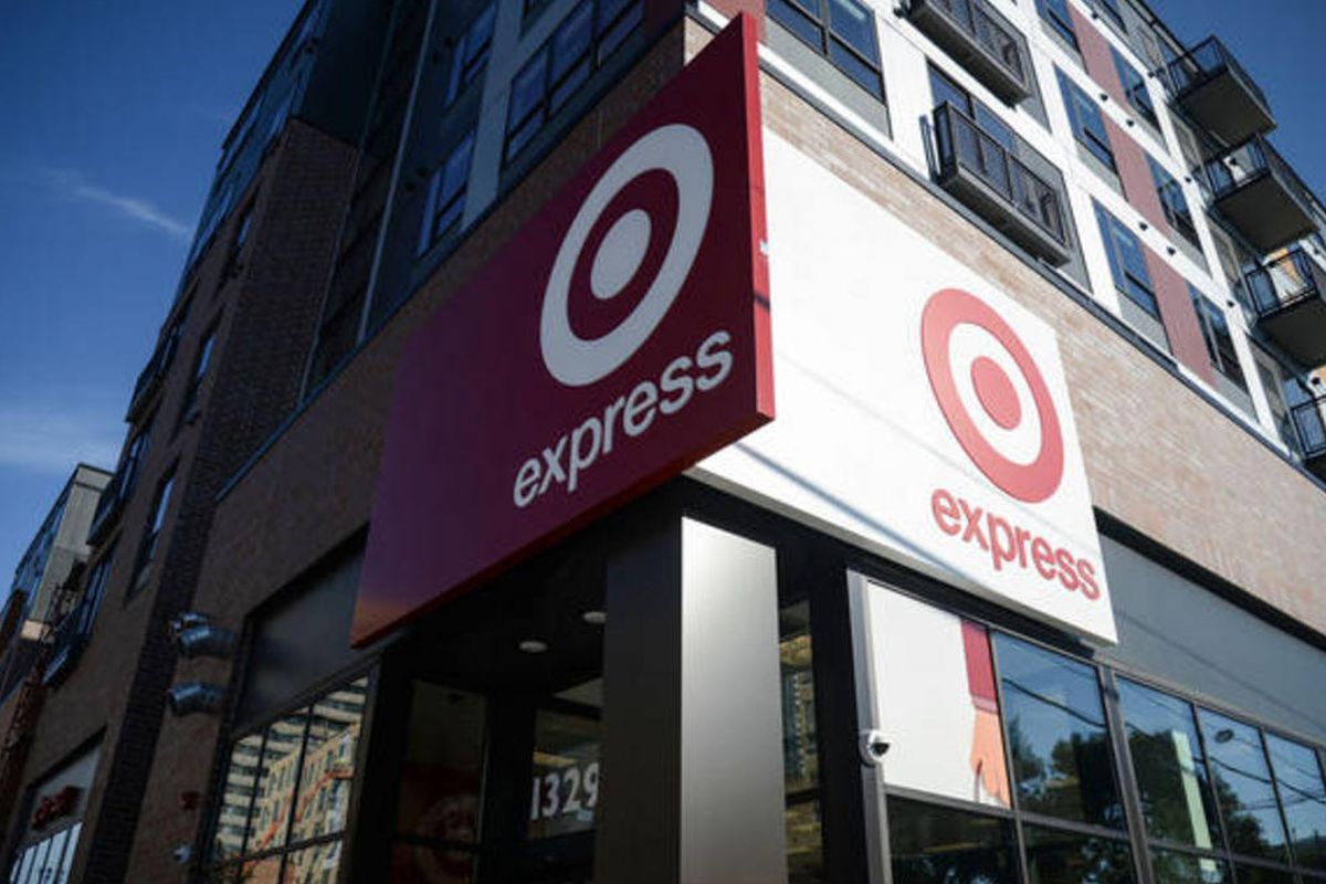 """Photo by Holly Peterson via <a href=""""http://www.tcdailyplanet.net/news/2014/07/23/first-targetexpress-opens-doors-dinkytown"""">Twin Cities Daily Planet</a>"""
