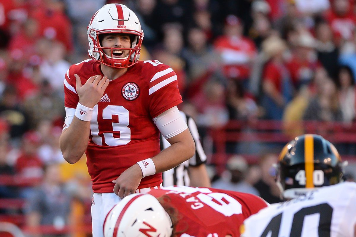 Tanner Lee declares for National Football League draft
