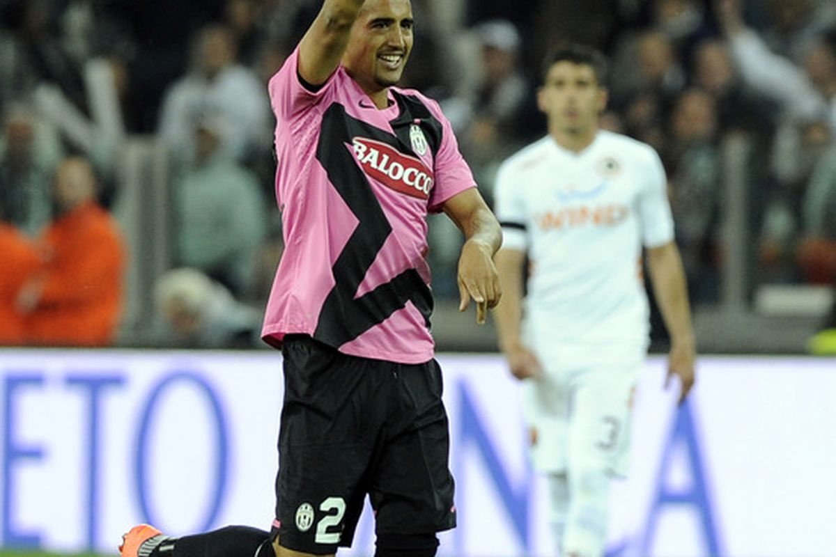 TURIN, ITALY - APRIL 22:  Arturo Vidal of Juventus FC celebrates scoring the second goal during the Serie A match between Juventus FC and AS Roma at Juventus Arena on April 22, 2012 in Turin, Italy.  (Photo by Claudio Villa/Getty Images)
