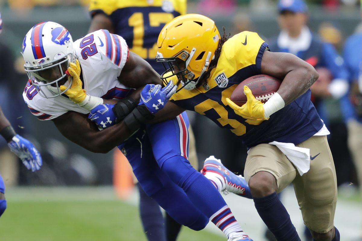 Theres No Longer Any Reason To Pretend Like Aaron Jones Isnt Clearly The Best Running Back On The Roster Wisconsin Usa Today Network