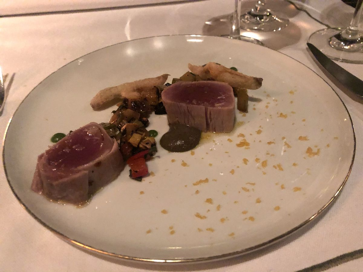 Celebrity Dining: Crimson seared tuna with orange roe