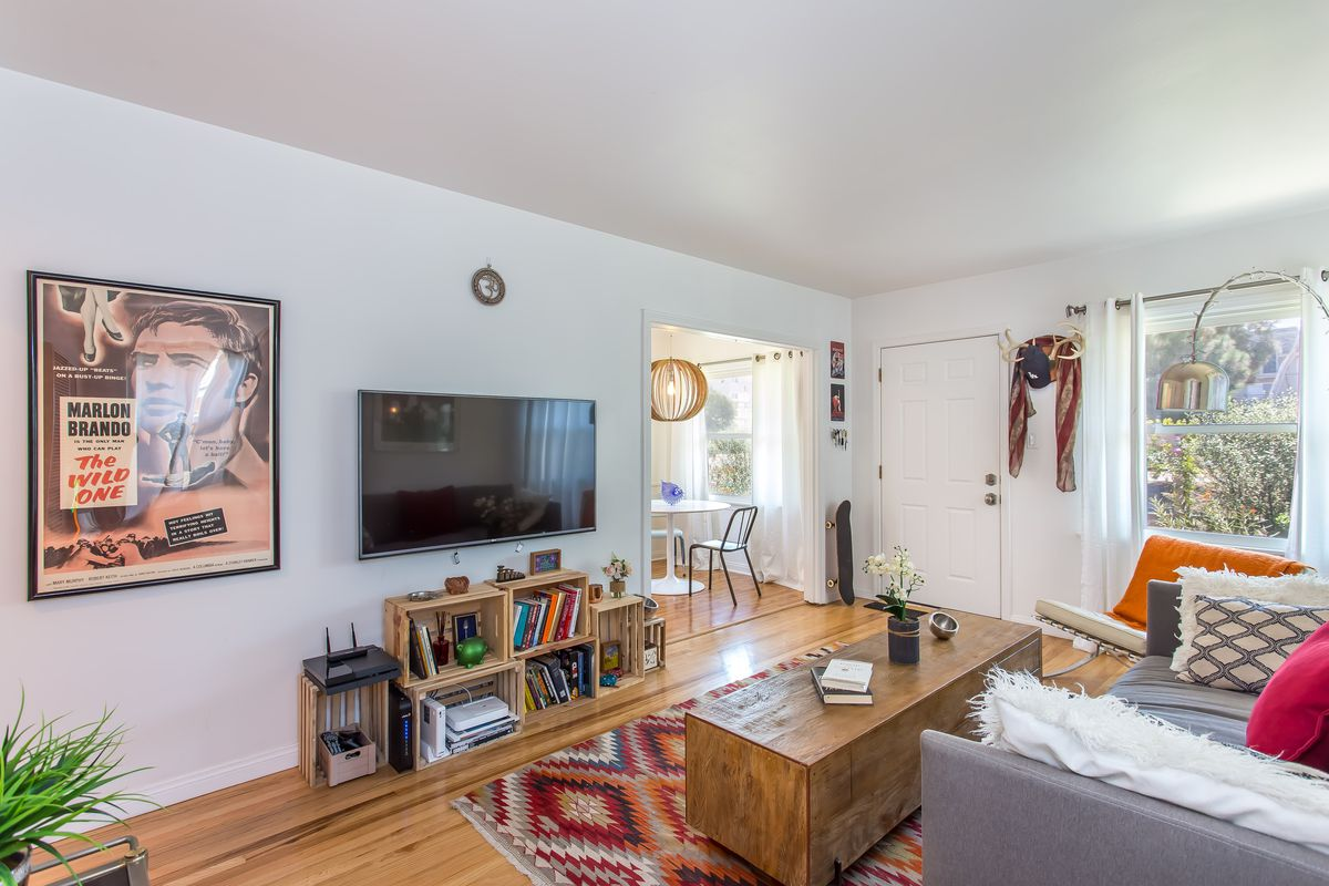 Cozy Del Rey bungalow with recent updates asks $795K - Curbed LA