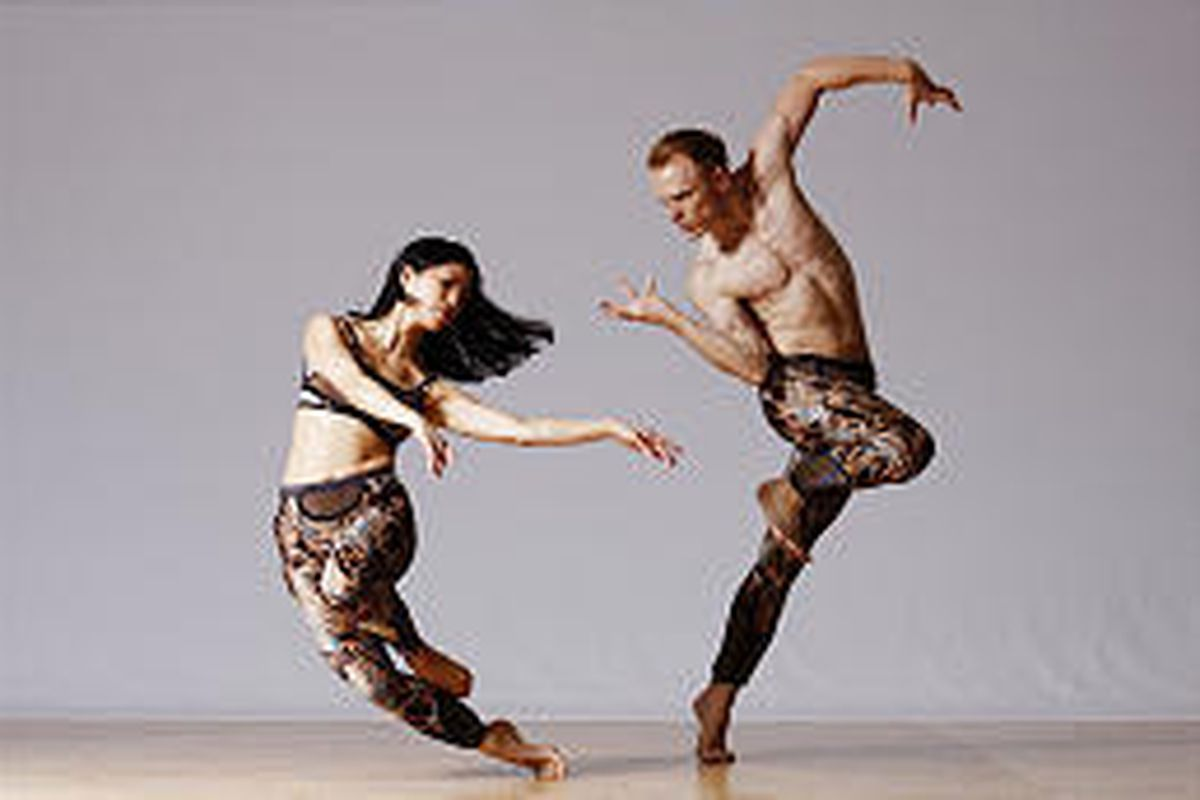 """Lisa Viola and Michael Trusnovec perform in """"Dante Variations,"""" one of three works the Paul Taylor Dance Company will perform Tuesday."""