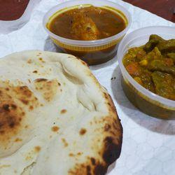 Naan and accoutrements at Diwan E Khaas