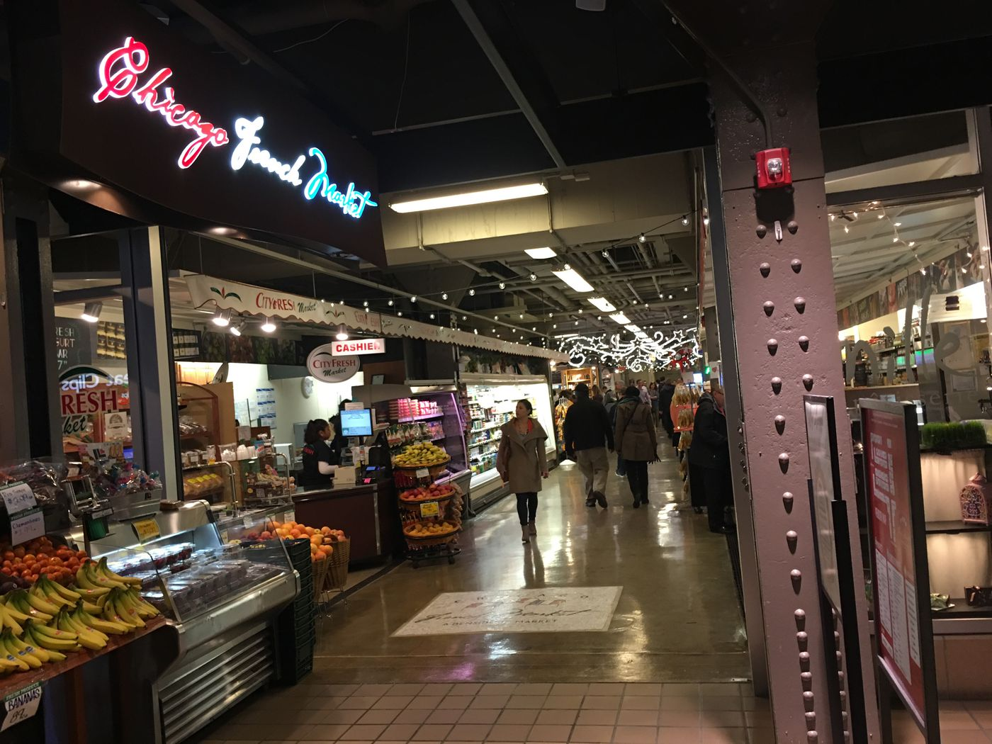 Chicagos French Market Facelift Adds Happy Hour More Seating