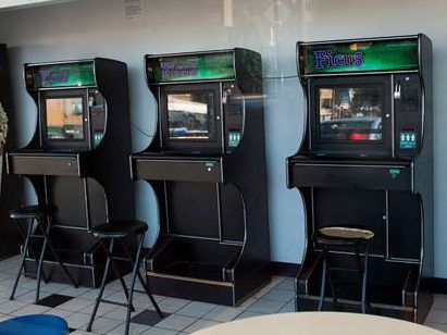 Sweepstakes' machines turn the tables on Illinois' video poker law