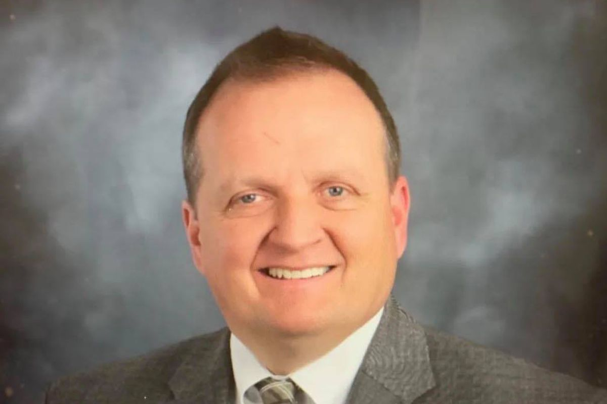 Thomas DeVore, a lawyer from downstate Sorento, is running for the Illinois Appellate Court.