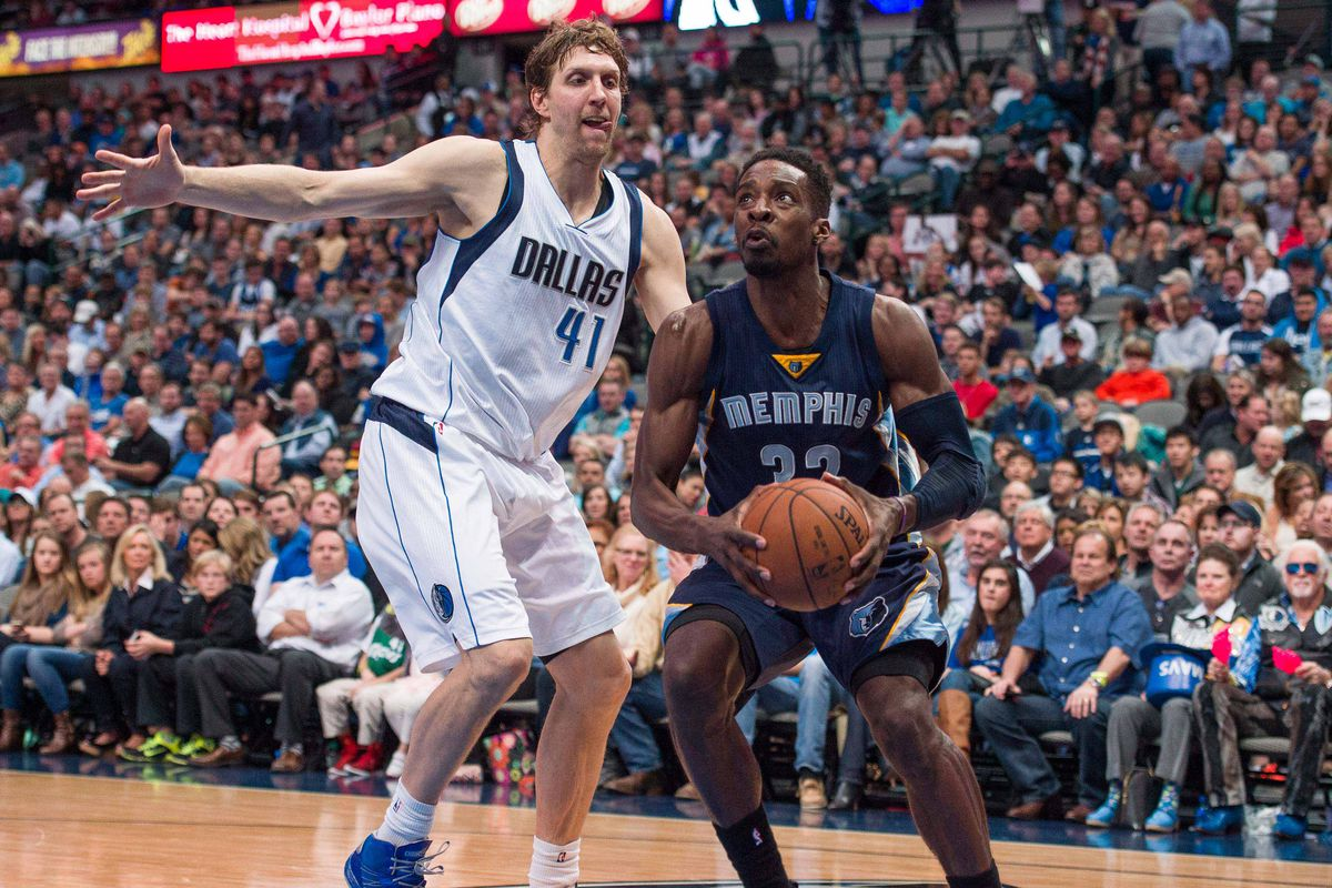 Can Jeff Green & the Grizzlies find a way to beat the surprising Mavs at home?