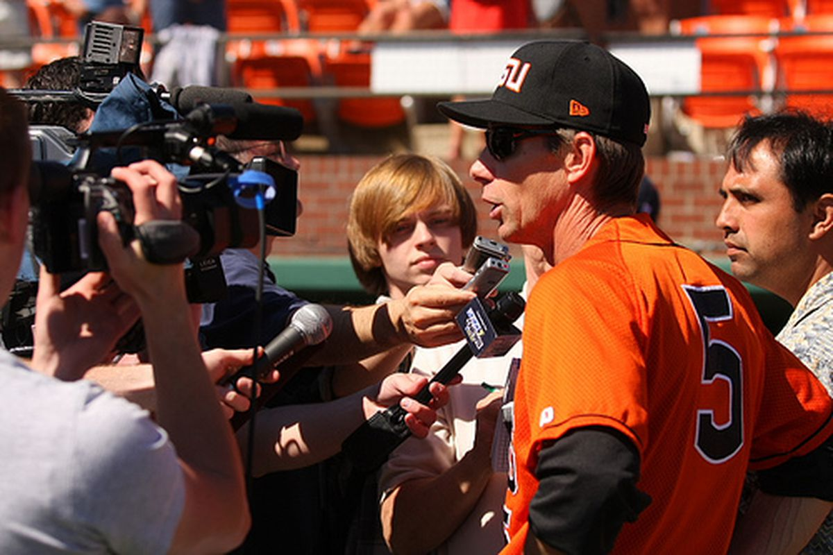Oregon St. head baseball coach Pat Casey is considering moving into an administrative job for the Beavers after 17 years.