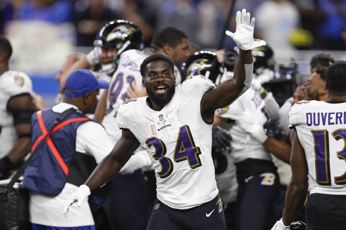Baltimore Ravens running back Ty'Son Williams (34) waves to the crowd after the game against the Detroit Lions at Ford Field.