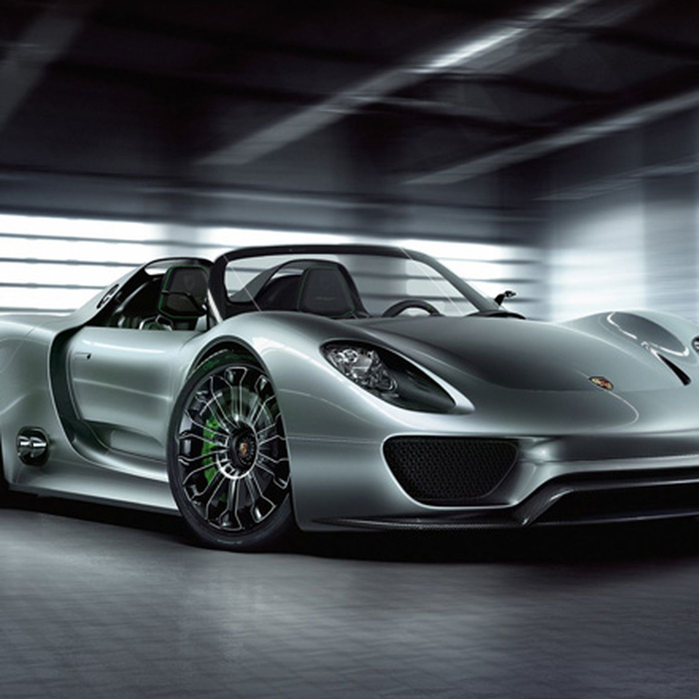 Porsche 918 Spyder Taking The World S First Plug In Hybrid Supercar For A Spin