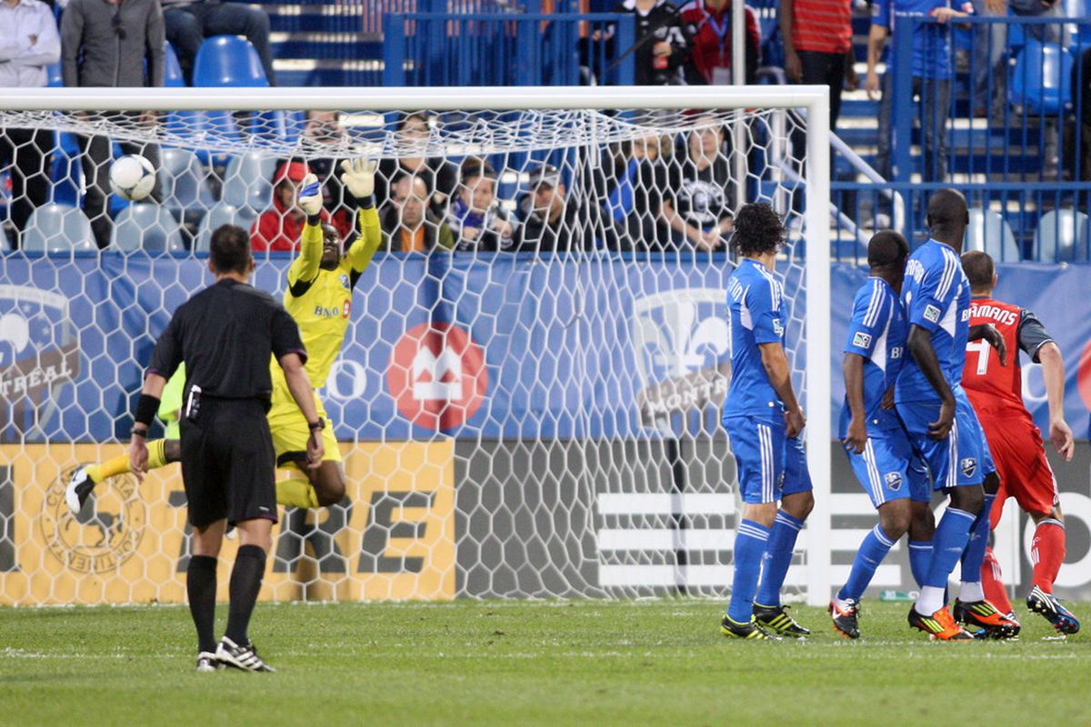 Torsten Frings hits a free-kick directly into the Montreal net - something not often see from TFC