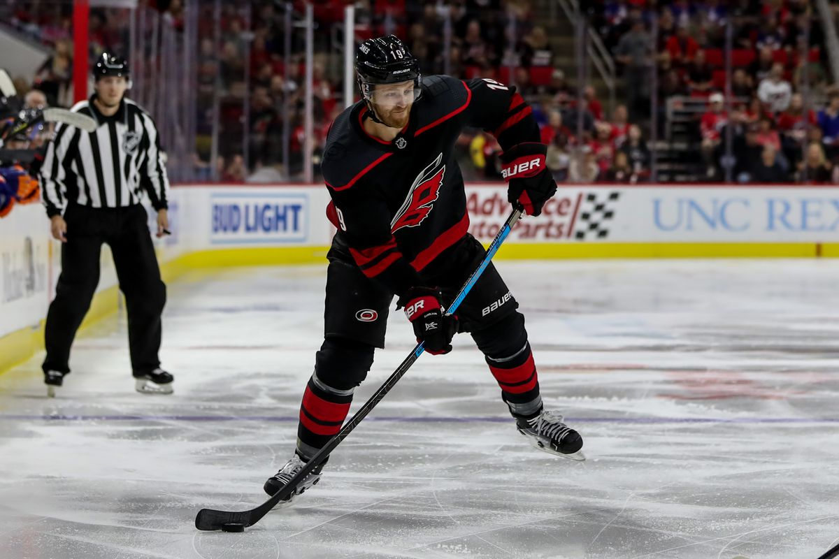 NHL: OCT 11 Islanders at Hurricanes