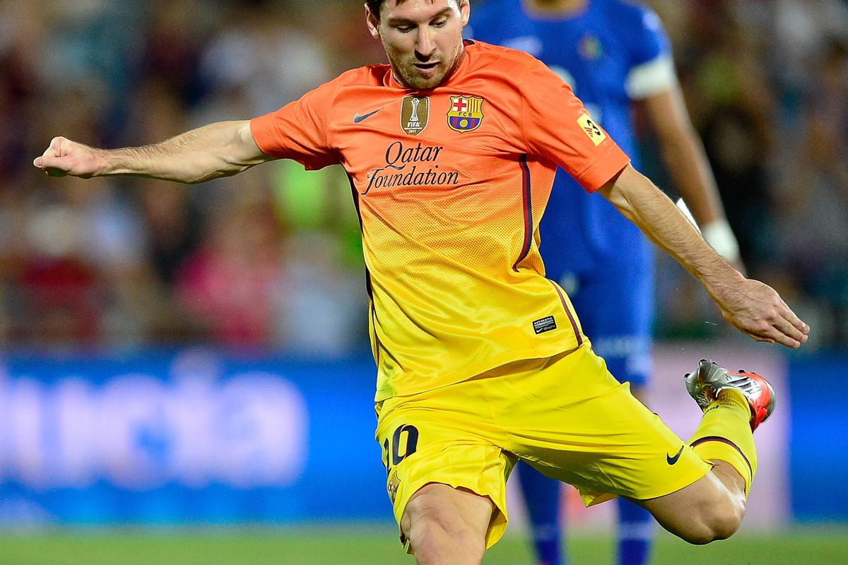 GETAFE, SPAIN - SEPTEMBER 15:  Leo Messi of FC Barcelona shoots for a penalty during the La Liga match between Getafe CF and FC Barcelona at Coliseum Alfonso Perez on September 15, 2012 in Getafe, Spain.  (Photo by Gonzalo Arroyo Moreno/Getty Images)
