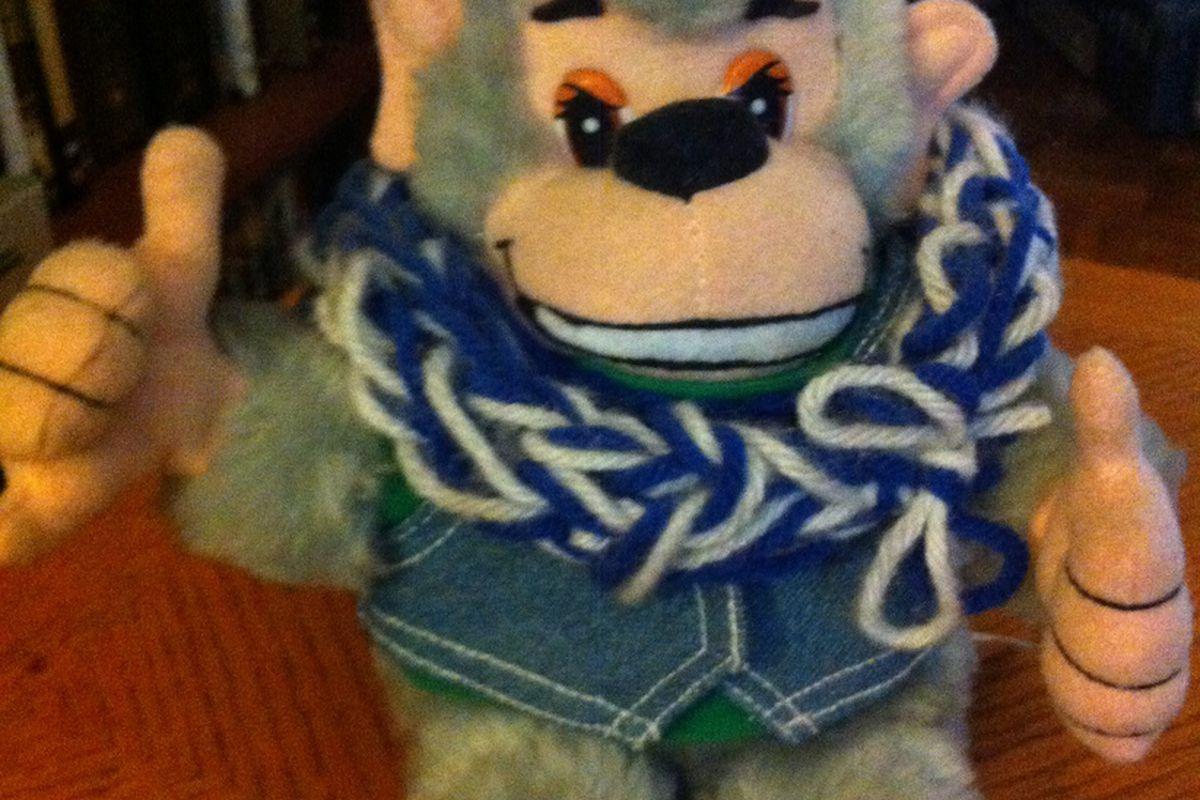 The Maui Monkey says, Go 'Cats!