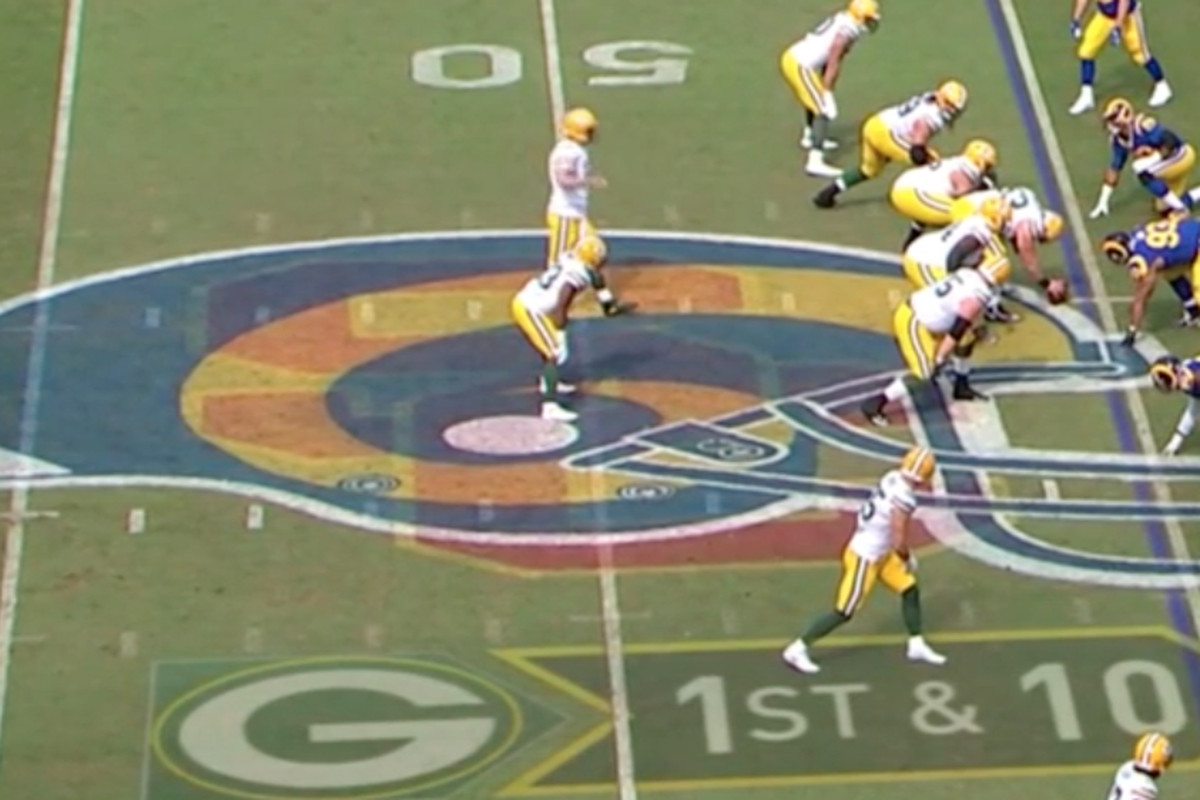 Rams Vs Packers Game Has Usc Pac 12 Logos Painted On Coliseum Field Sbnation Com