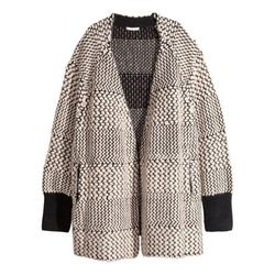 """<b>H&M</b>, <a href=""""http://www.hm.com/us/product/45858?article=45858-A"""">$80</a>"""