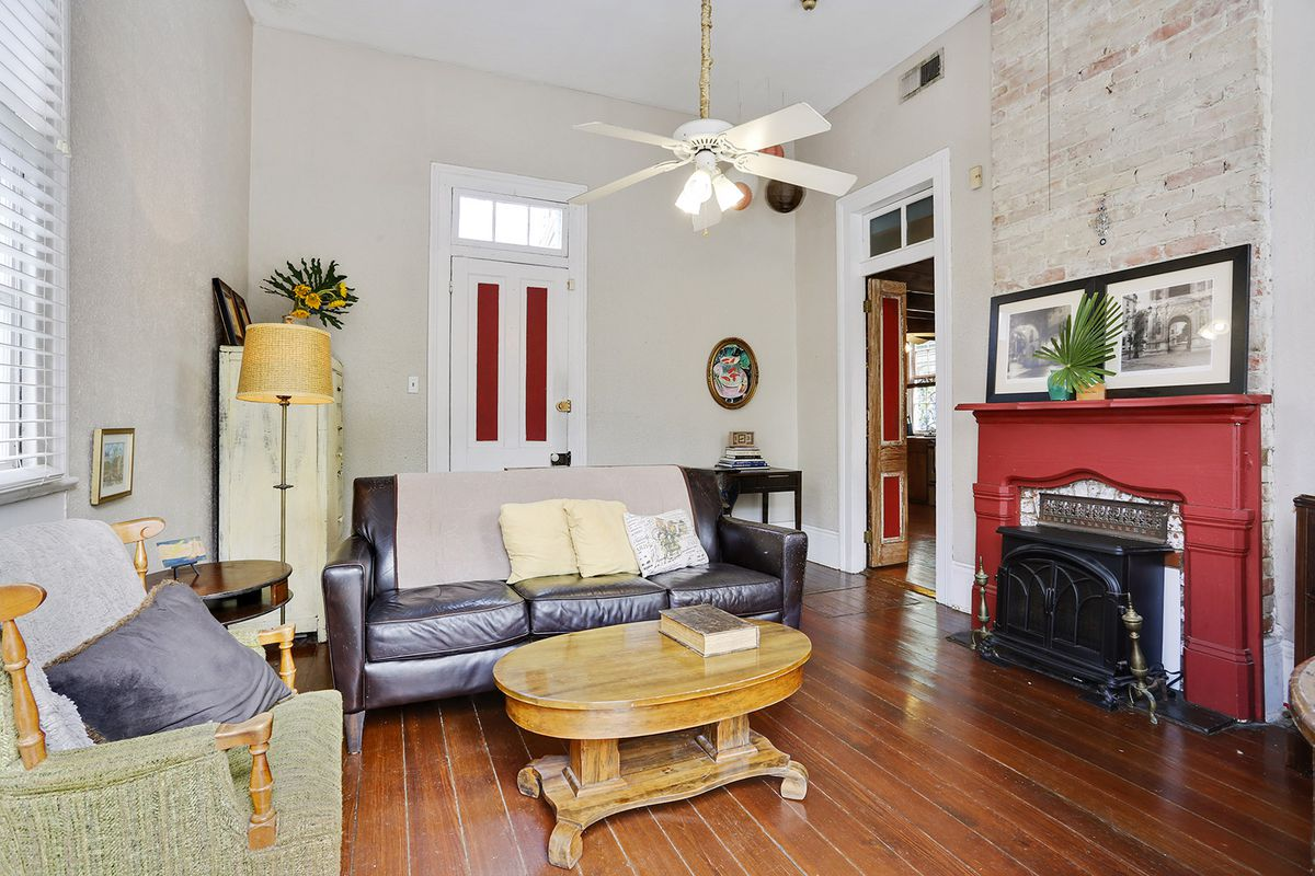 You Can Buy This 19th Century Creole Cottage In The