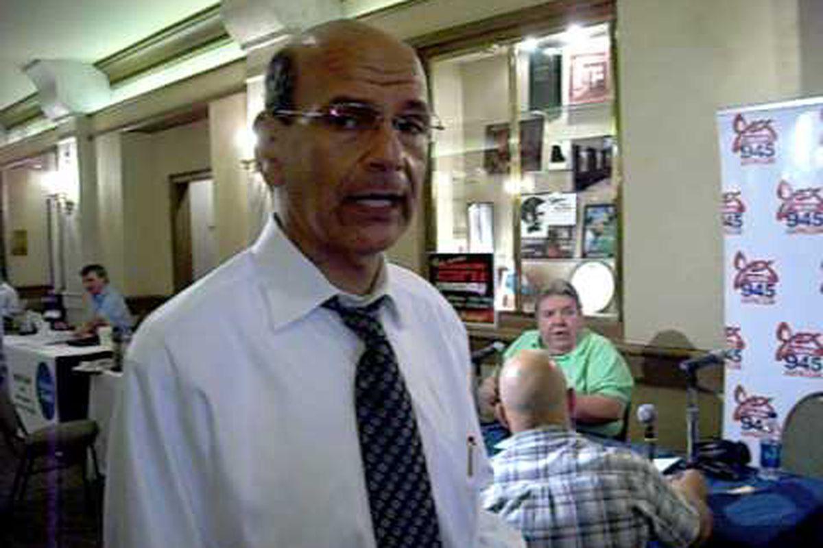 Paul Finebaum lets loose on Auburn at Birmingham Southern College event.