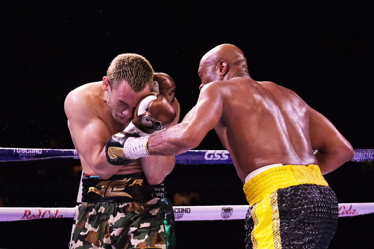 Anderson Silva pulls off upset to beat Julio Cesar Chavez Jr. by split decision in return to boxing - MMA Fighting