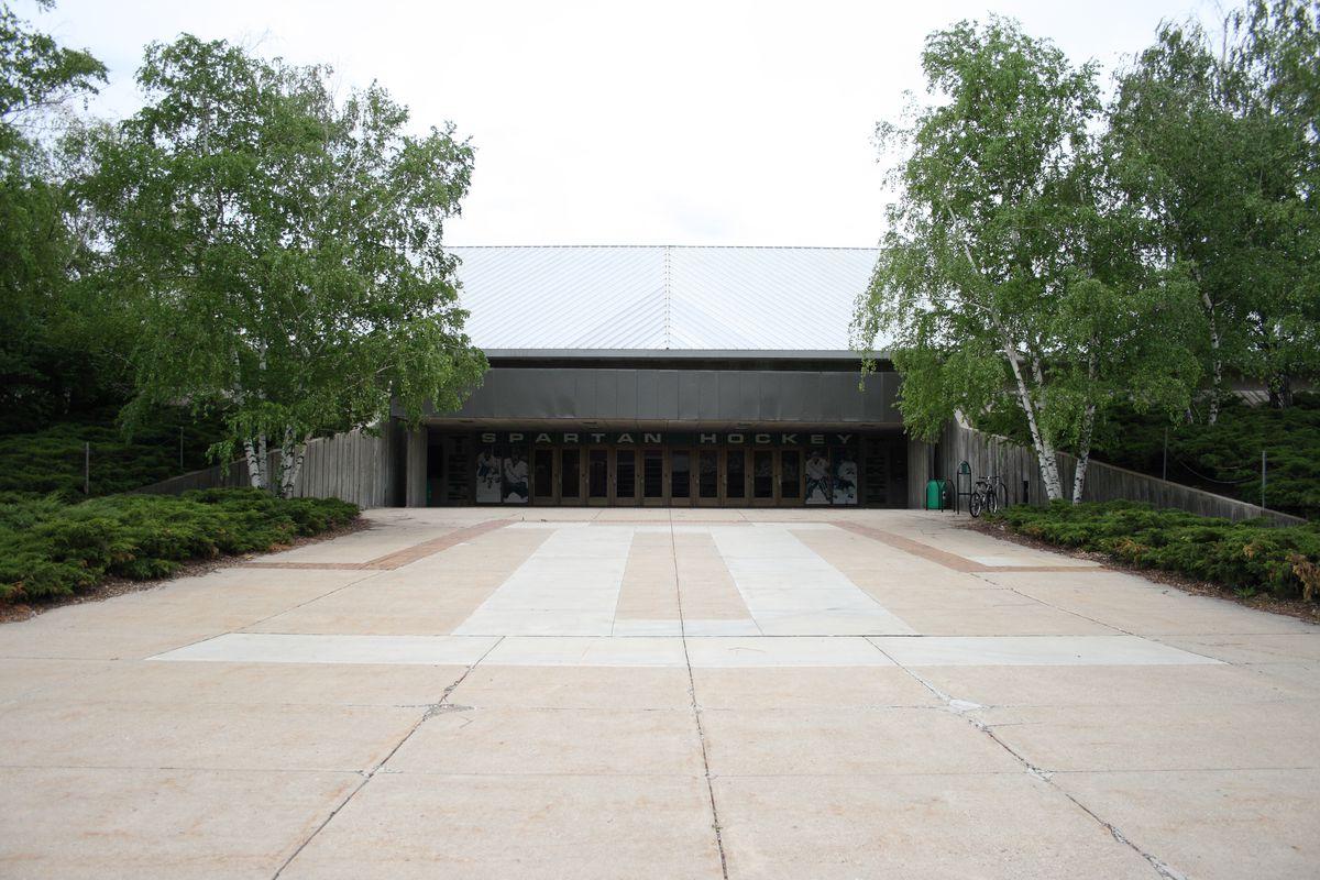 An entrance of Munn Arena