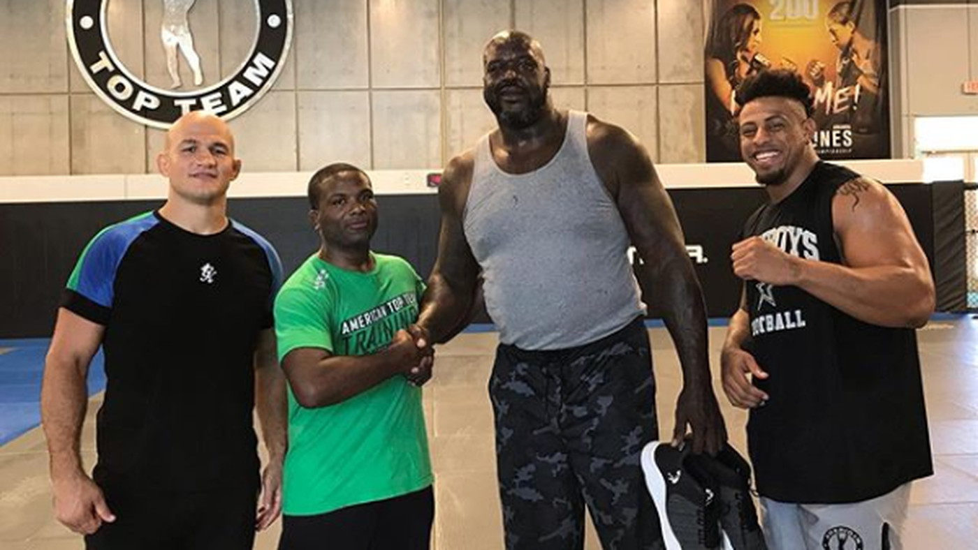 Pic: Here's Shaquille O'Neal making Junior dos Santos and Greg Hardy look small