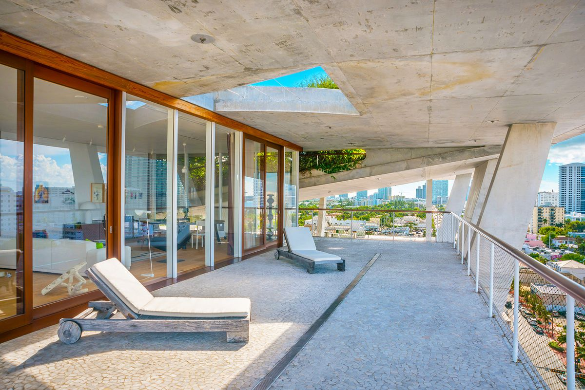 Miami Beach Penthouse Atop 1111 Lincoln Lists For 34m