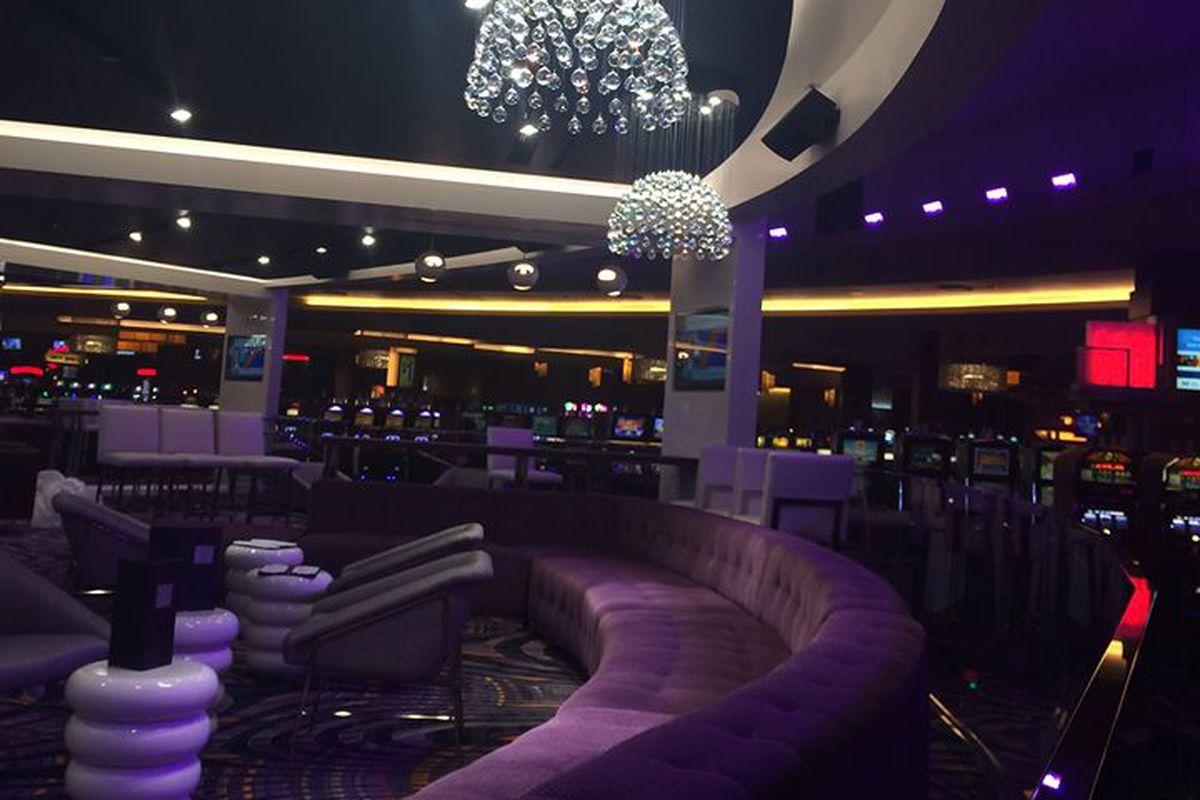 AXIS Lounge.