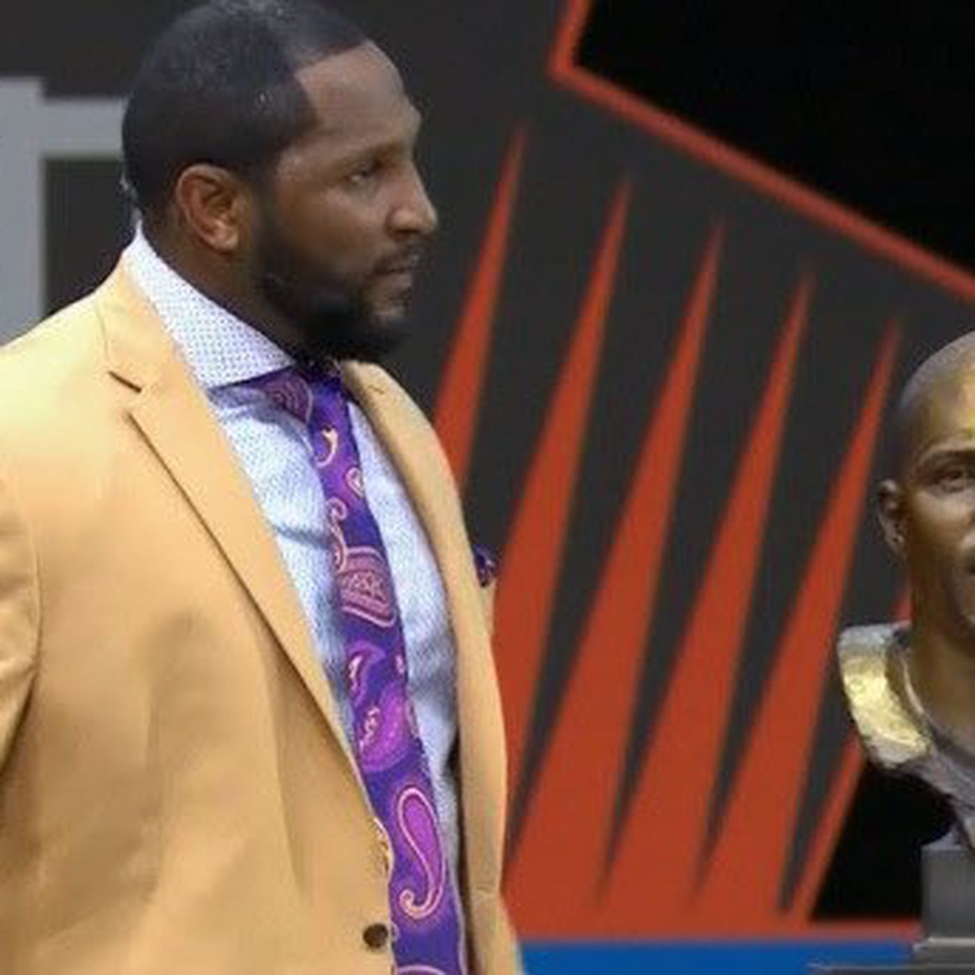 finest selection 1e09b d1467 Ray Lewis' Hall of Fame bust looks like ... - SBNation.com