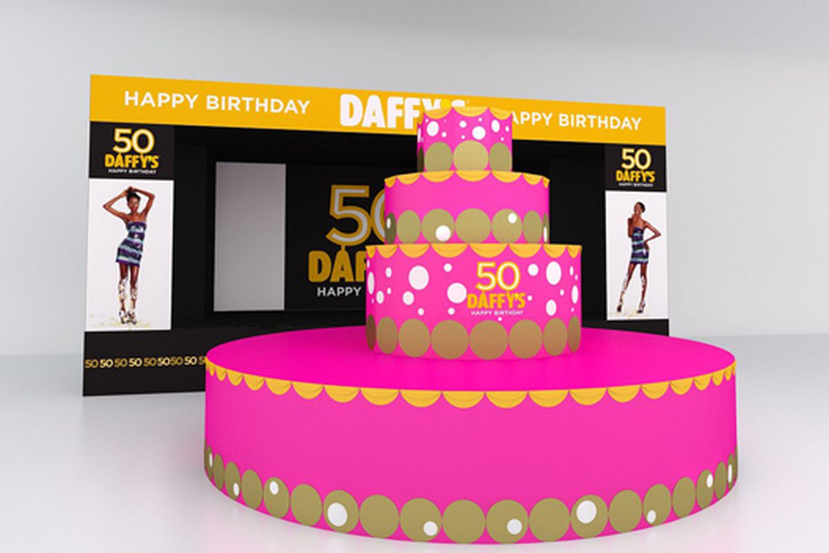 This Is What Daffys Ten Foot Tall Birthday Cake Will Look Like