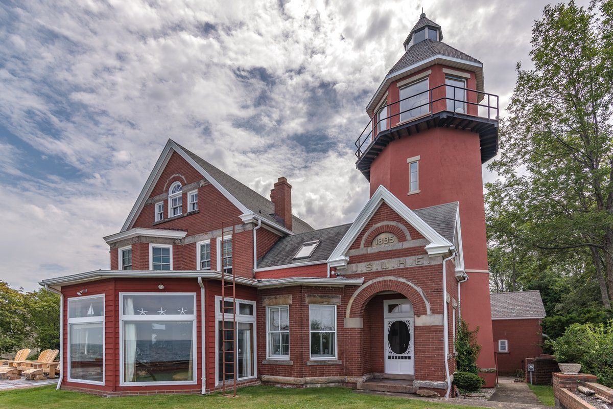 Awe Inspiring 3 Lighthouses You Can Buy Right Now Curbed Interior Design Ideas Jittwwsoteloinfo